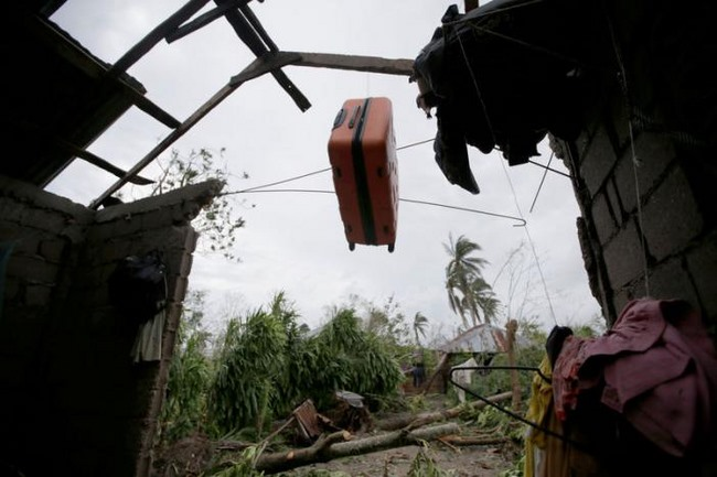 Bão mạnh khủng khiếp tấn công, gần 300 người chết ở Haiti - 6