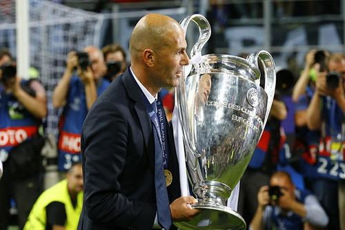 Zidane đối diện khả năng bị Real Madrid sa thải - 2