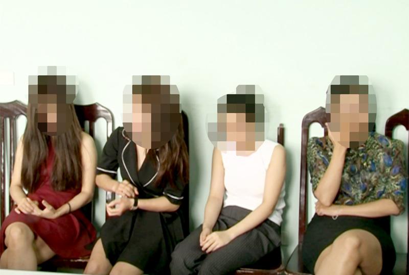 """""""Tú ông"""" điều 4 hotgirl phục vụ khách từ A tới Z - 1"""