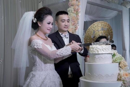 """Mỹ nhân """"lẳng lơ"""" nhất màn ảnh Việt cưới lần 4 với chú rể kém tuổi - 2"""