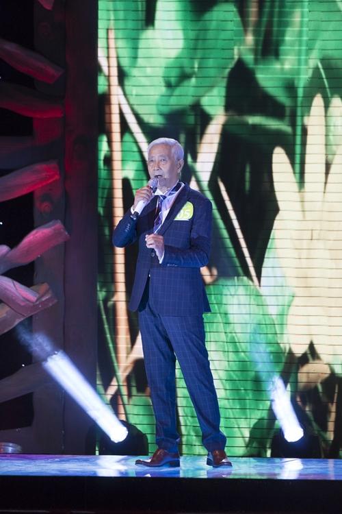 Tuấn Ngọc phấn khích trước giọng hát của cụ ông 78 tuổi - 1