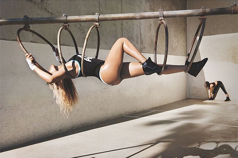 Ngắm dáng vóc săn chắc, vòng 3 sexy 99cm của Beyonce - 11