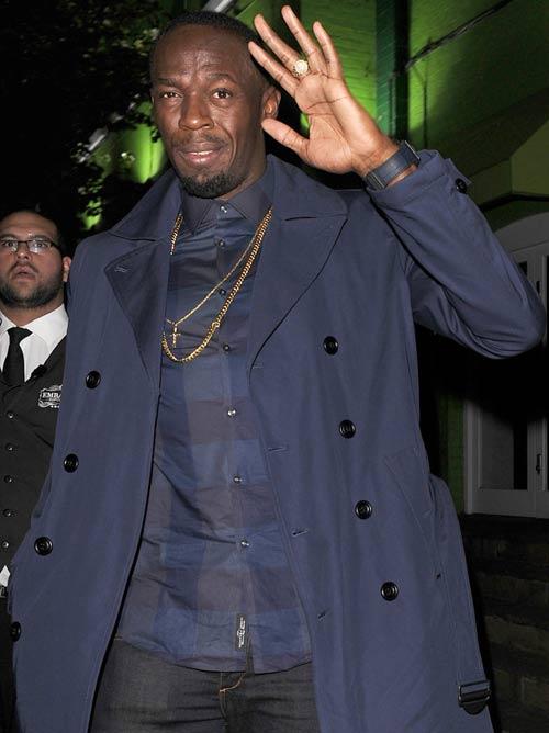 """Sau cầu hôn, Usain Bolt lại """"bay đêm"""" bên gái lạ - 2"""