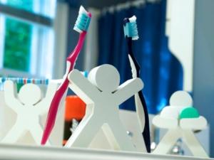 Kinh hoàng ổ vi khuẩn trên bàn chải đánh răng - 3