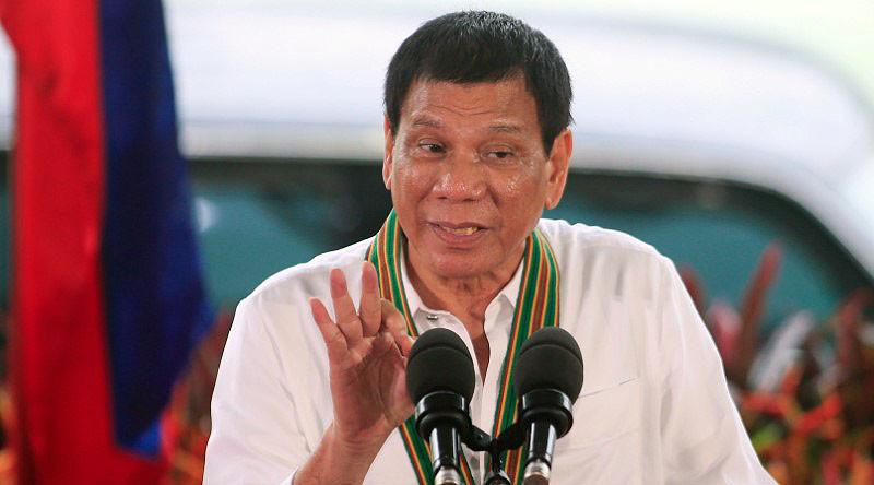 Tổng thống Philippines thách Mỹ và EU cắt viện trợ - 1