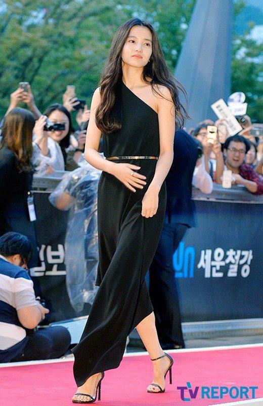 35 tuổi, Son Ye Jin trẻ trung không kém sao phim 19+ - 6