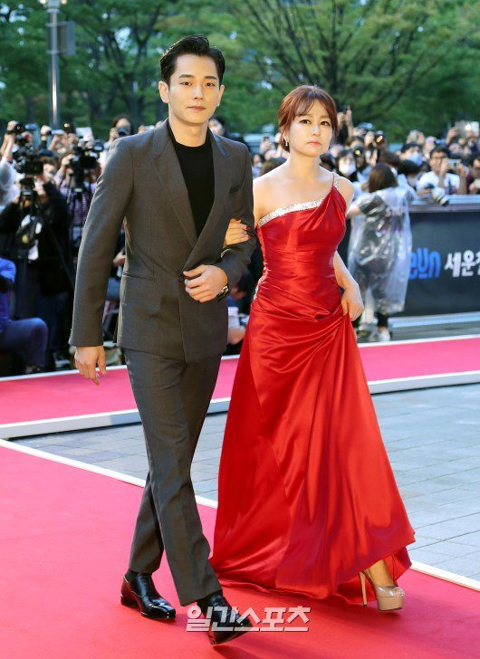 35 tuổi, Son Ye Jin trẻ trung không kém sao phim 19+ - 12