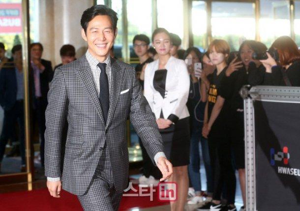 35 tuổi, Son Ye Jin trẻ trung không kém sao phim 19+ - 14