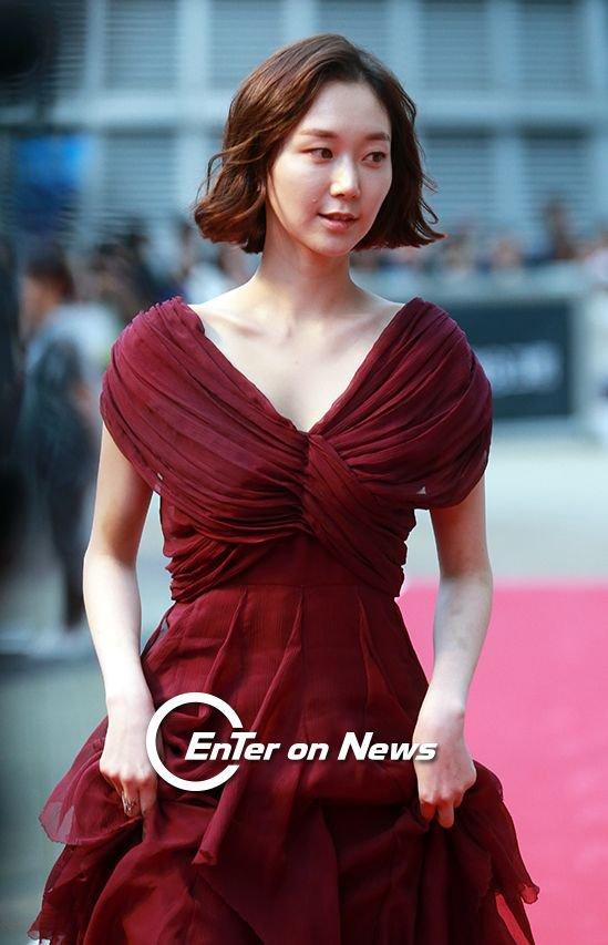 35 tuổi, Son Ye Jin trẻ trung không kém sao phim 19+ - 11