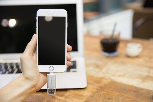 """USB và đầu đọc thẻ nhớ cùng """"lên đời"""" chuẩn kết nối Lightning - 2"""