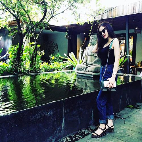 Cuộc sống giàu sang đáng mơ ước của em gái sao Việt - 18
