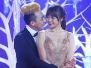 Ca nhạc - MTV - Trấn Thành ôm ấp, ngắm Hari Won đắm đuối trên sân khấu