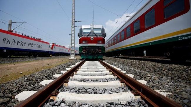 Trung Quốc xây đường tàu hỏa 750km đầu tiên ở châu Phi - 5