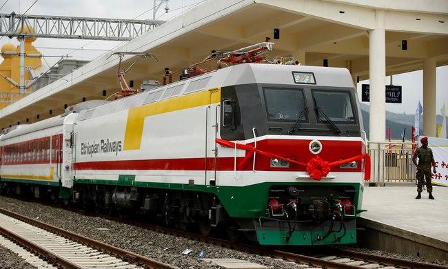 Trung Quốc xây đường tàu hỏa 750km đầu tiên ở châu Phi - 3