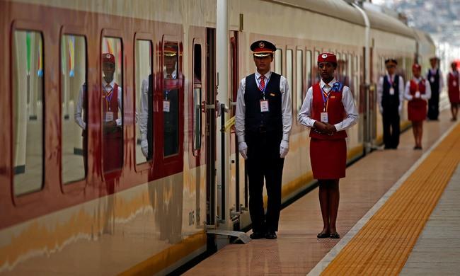 Trung Quốc xây đường tàu hỏa 750km đầu tiên ở châu Phi - 2