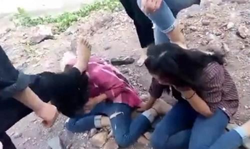 Trẻ bị bạo hành, làm nhục trên mạng: Nhà trường, gia đình, xã hội ở đâu? - 2