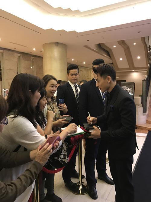 Isaac bất ngờ nhận được giải thưởng tại LHP Busan - 5