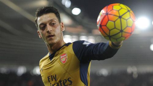 """Hiệu suất kiến tạo Ozil bằng 0: Arsenal đang """"đổi mới"""" - 1"""