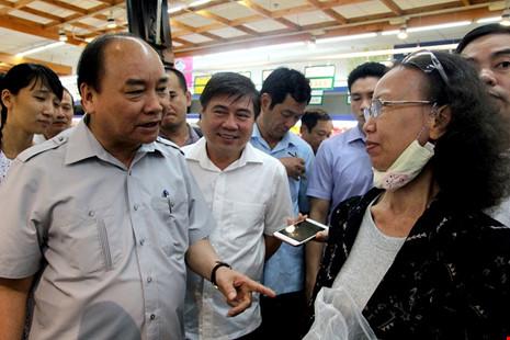 Thủ tướng bất ngờ vi hành ở TP.HCM - 9
