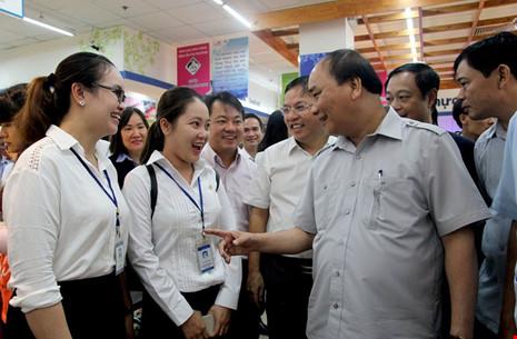 Thủ tướng bất ngờ vi hành ở TP.HCM - 10