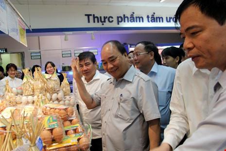 Thủ tướng bất ngờ vi hành ở TP.HCM - 11