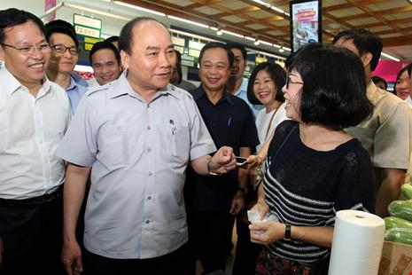 Thủ tướng bất ngờ vi hành ở TP.HCM - 4