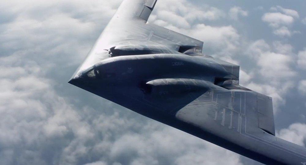Mỹ ném thử hai quả bom hạt nhân giả xuống sa mạc - 1