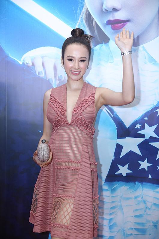 """Mỹ nữ nào xứng danh """"nữ hoàng xuyên thấu"""" showbiz Việt? - 12"""