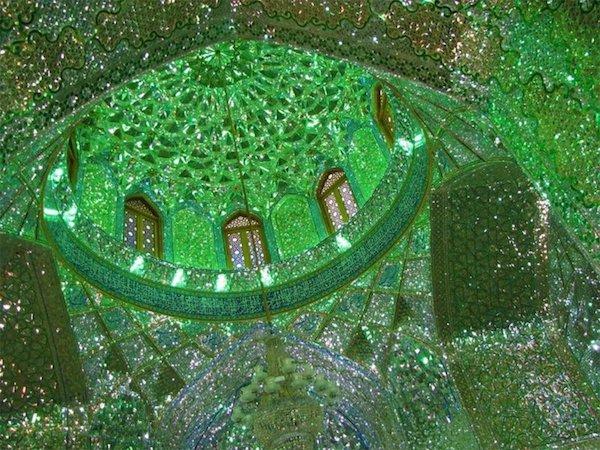 Vẻ đẹp gây choáng trong thánh đường Hồi giáo có vẻ ngoài đơn giản - 4