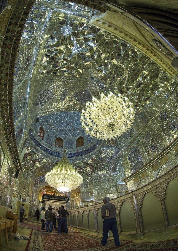 Vẻ đẹp gây choáng trong thánh đường Hồi giáo có vẻ ngoài đơn giản - 10