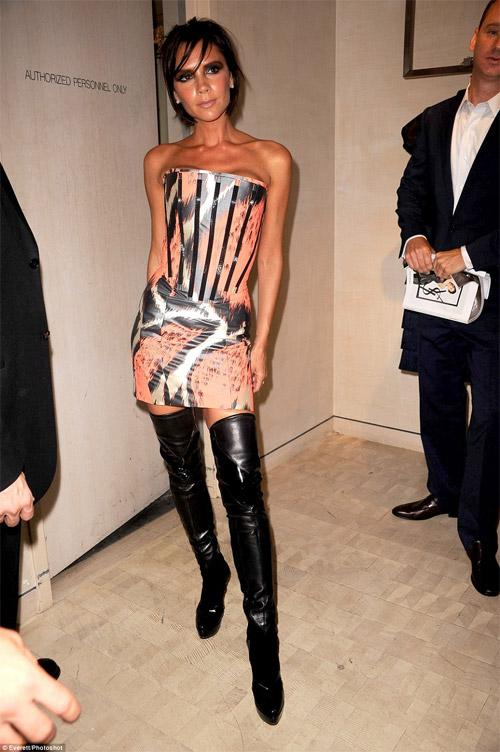 12 lần mặc xấu khó đỡ của bà xã Beckham - 10