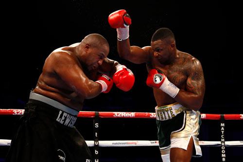 Boxing: Tung đòn búa tạ, HLV đối thủ sợ hãi xin hàng - 1