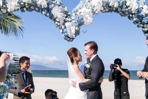 Choáng ngợp lễ cưới xa hoa của cô gái Ninh Bình - 1