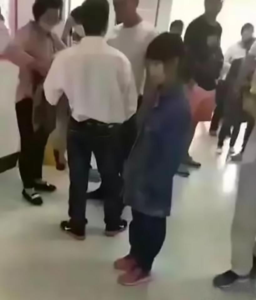Bé gái 12 tuổi mang bầu ở TQ, nghi bắt cóc từ nước khác - 2