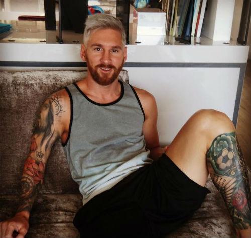 """Messi và bạn gái ngầm ví mình là """"Vua và Hoàng hậu"""" - 6"""