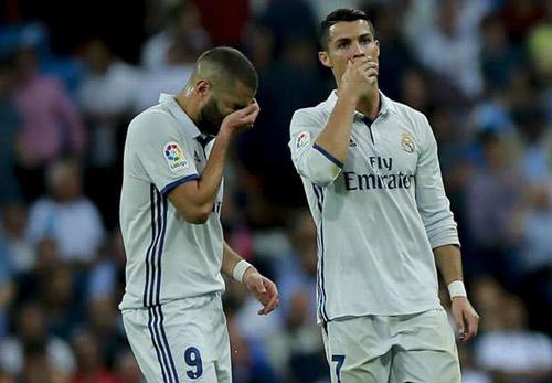 Real lục đục vì Zidane thiên vị Ronaldo-Bale-Benzema - 1
