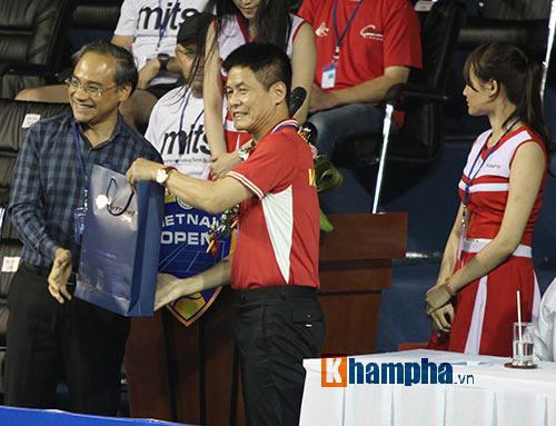 Người đẹp Hoàng Yến Chibi cổ vũ Hoàng Nam ở Vietnam Open 2016 - 10
