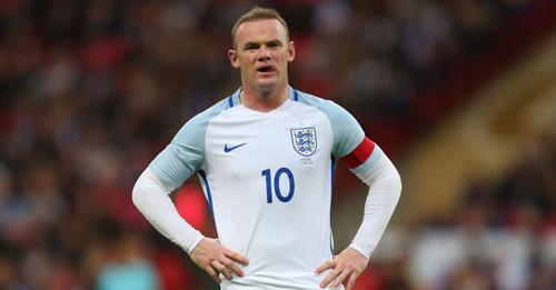 ĐT Anh: Mờ nhạt, Rooney còn suýt đạp gãy chân đối thủ - 1