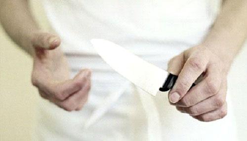 Bắt tại trận vợ ngoại tình, chồng cắt tai tình địch - 1