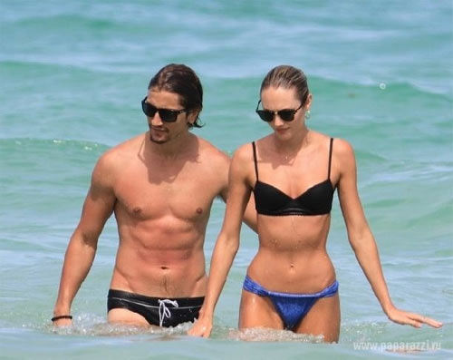 Cặp đôi trai 6 múi, gái sexy khiến người đời ngưỡng mộ - 8