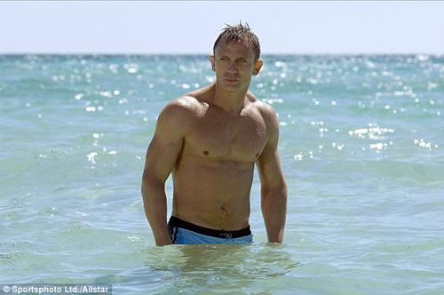 Daniel Craig nhận 3.300 tỷ để thủ vai James Bond lần 6 - 2