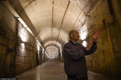 Ảnh: Căn cứ hạt nhân TQ trong hang nhân tạo lớn nhất TG - 7