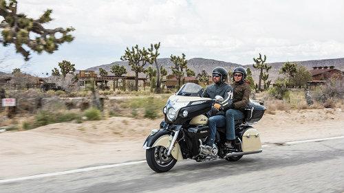 """2017 Indian Roadmaster đủ sức """"hạ gục"""" Harley-Davidson - 3"""