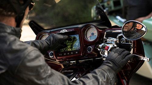 """2017 Indian Roadmaster đủ sức """"hạ gục"""" Harley-Davidson - 4"""