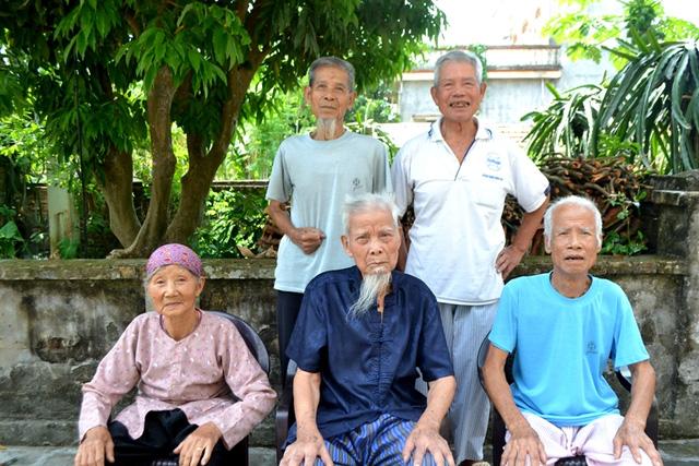 Cuộc sống thú vị của 5 anh em ruột đều gần trăm tuổi ở Hải Dương - 1