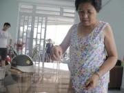 An ninh Xã hội - Đang ngủ cùng chồng, bị cướp xông vào giật dây chuyền