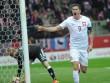 "Lập hattrick, Lewandowski ""sánh ngang"" Ronaldo"