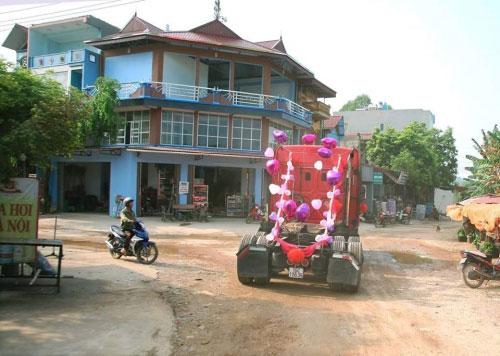 """9x Bắc Giang rước dâu """"cực chất"""" bằng xe container - 5"""
