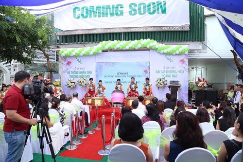 Lại Kha Ly chính thức là đại sứ thương hiệu TTTM Hoàng Hạc - 2