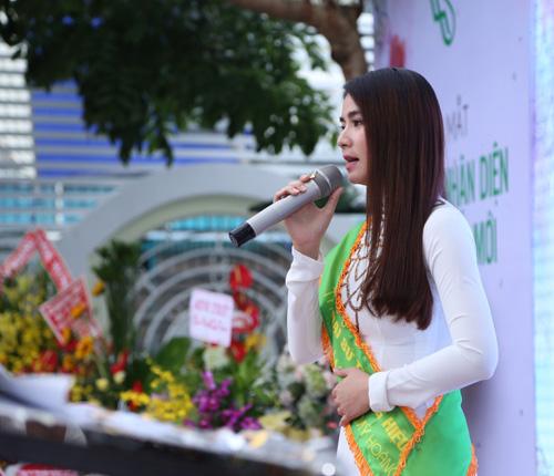 Lại Kha Ly chính thức là đại sứ thương hiệu TTTM Hoàng Hạc - 5